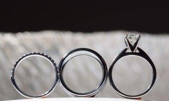 De ce se înnegrește argintul