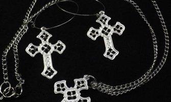 Pandantiv cruce. Iata ce trebuie sa stii despre acest accesoriu!